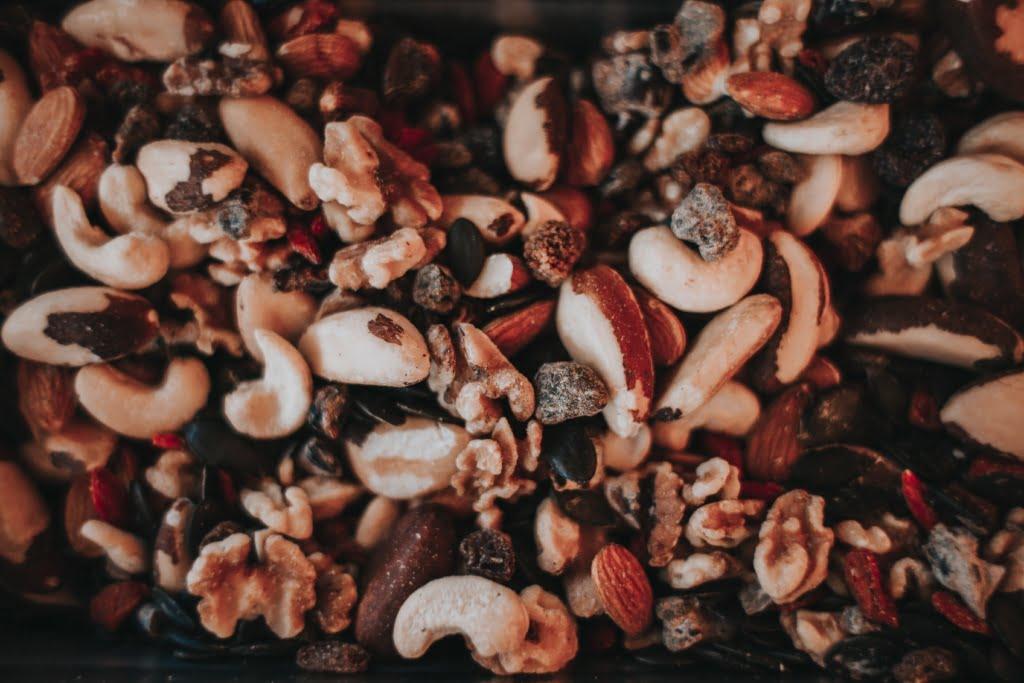 mixed keto nuts