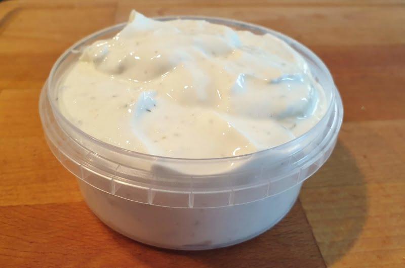 Keto Garlic Aioli - Low carb and keto friendly recipe