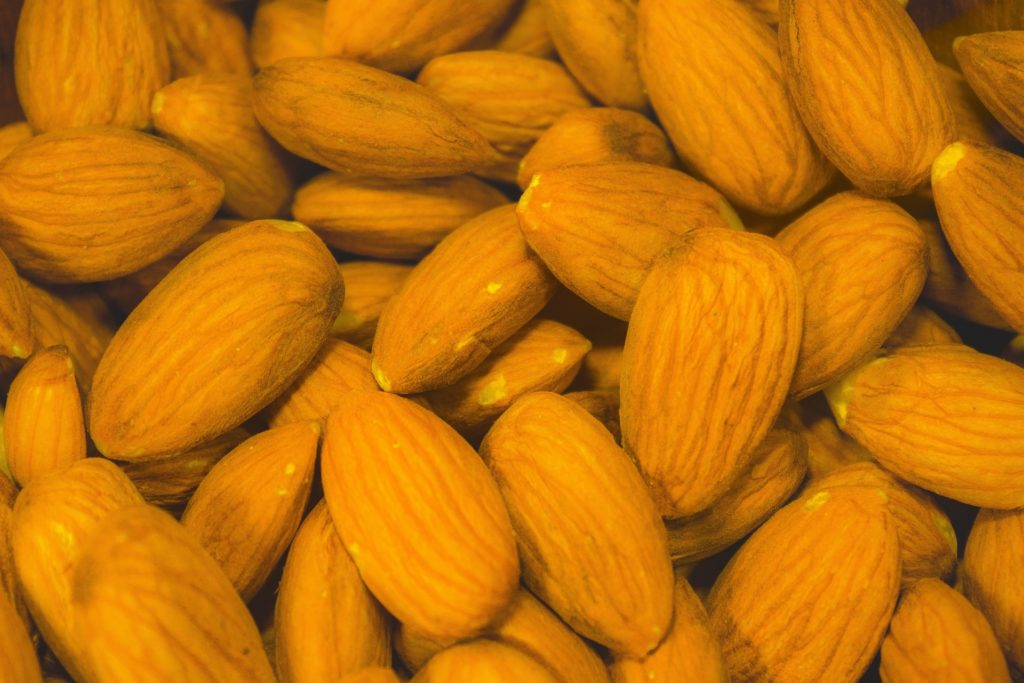 almonds high in magnesium